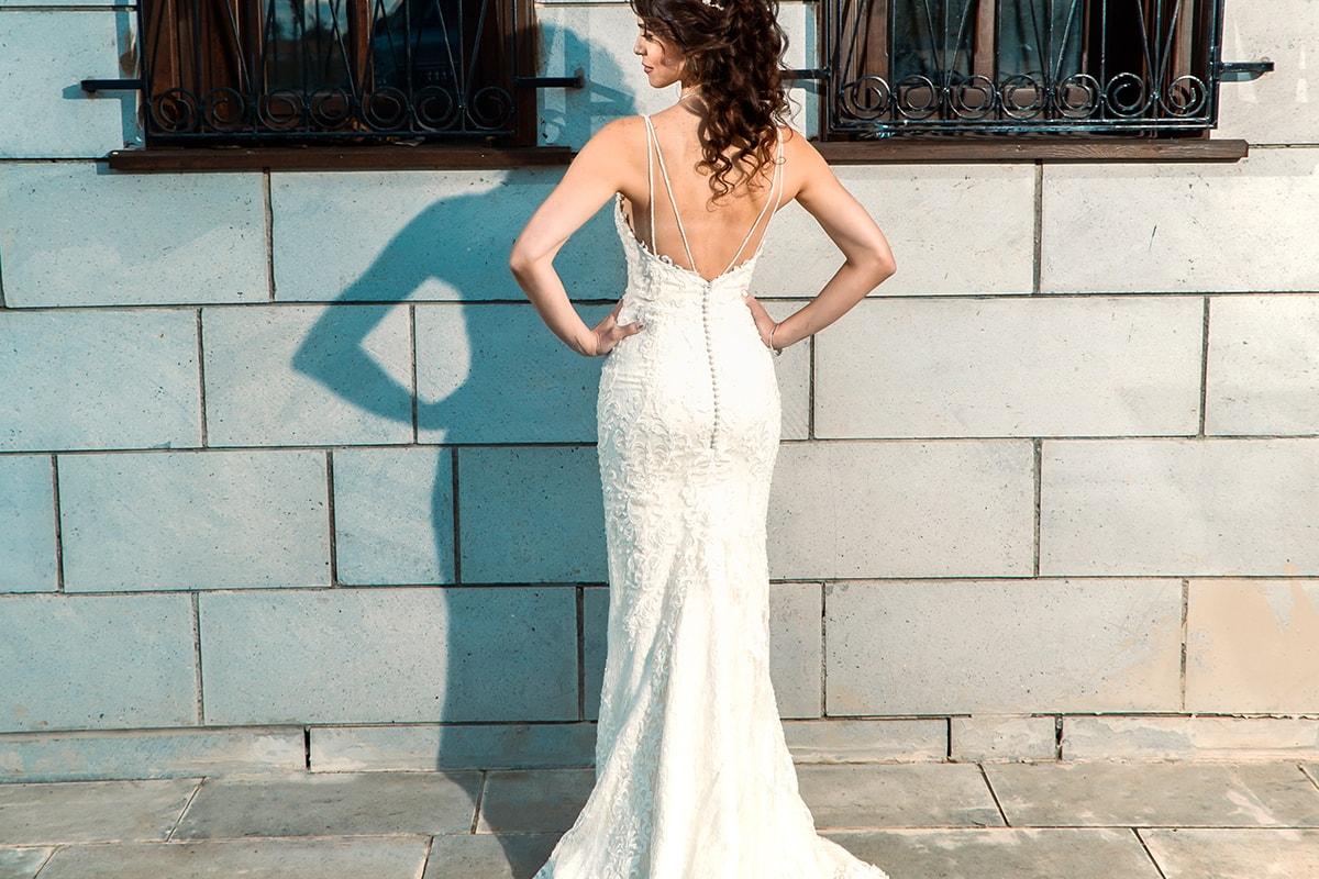 マーメイドドレスを着た花嫁の後ろ姿